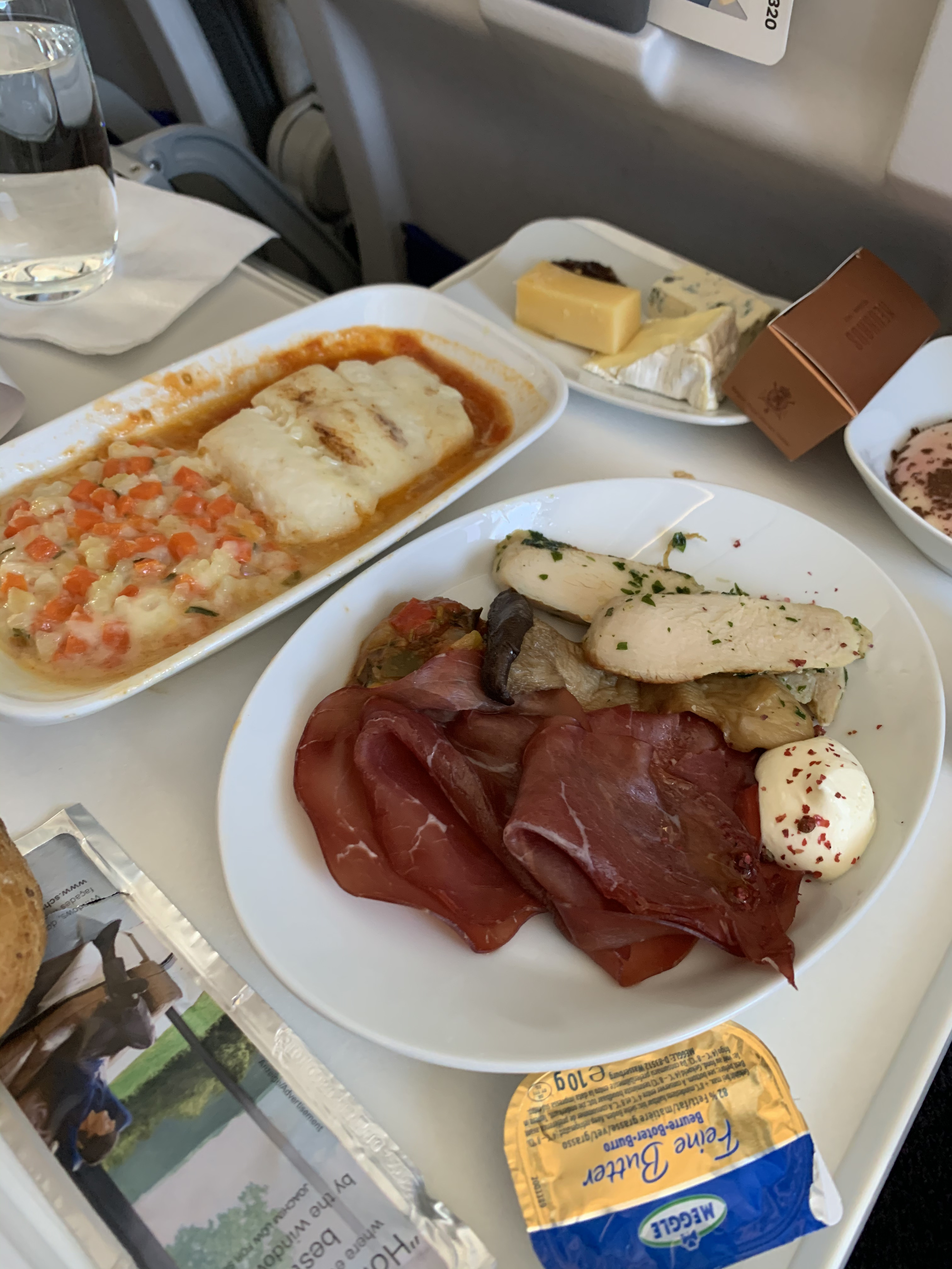 Lufthansa Business Class Review A320neo Athens (ATH) to Istanbul (IST) via Frankfurt (FRA)