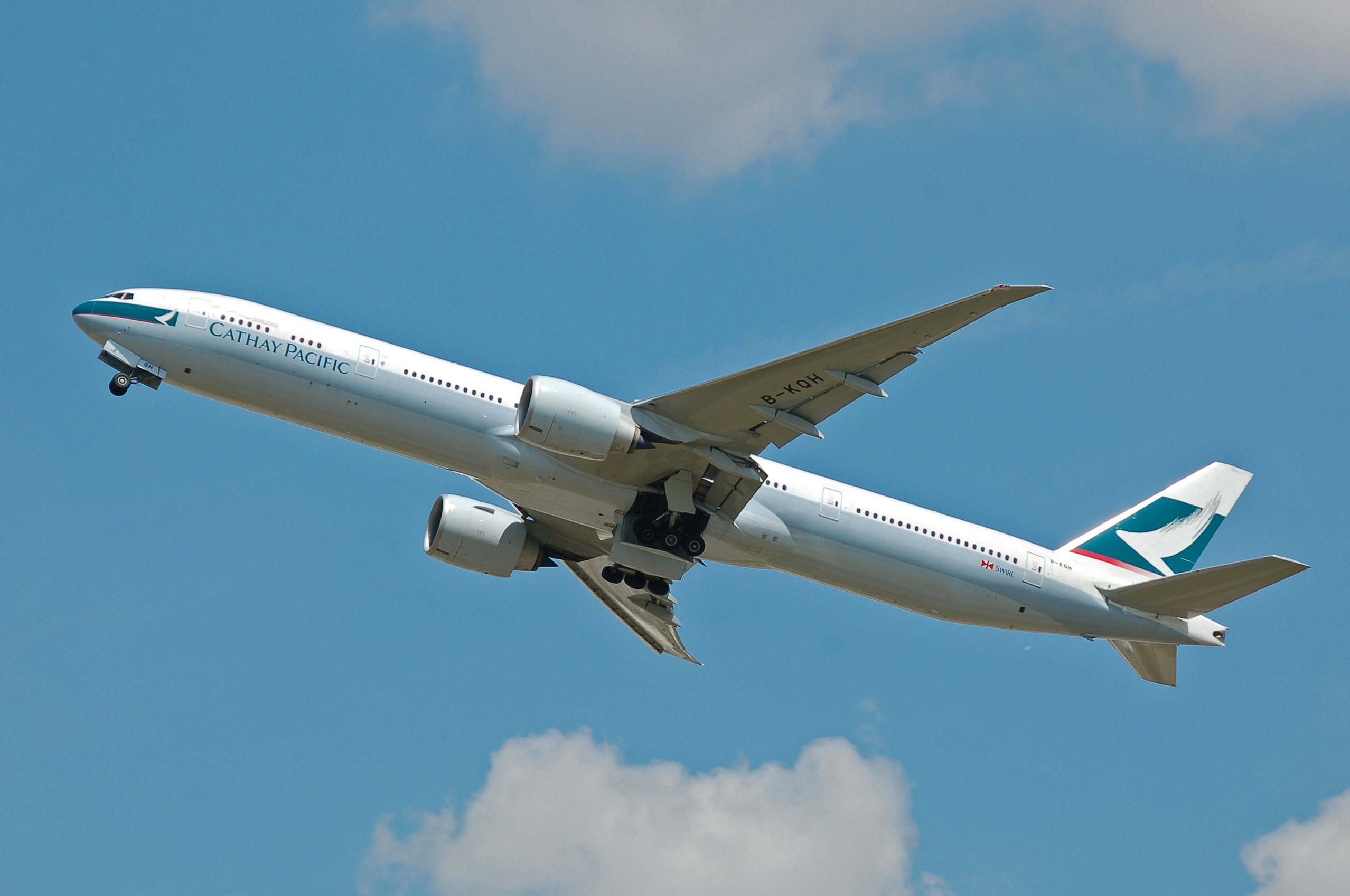 Cathay Pacific Announces Major Corporate Restructuring